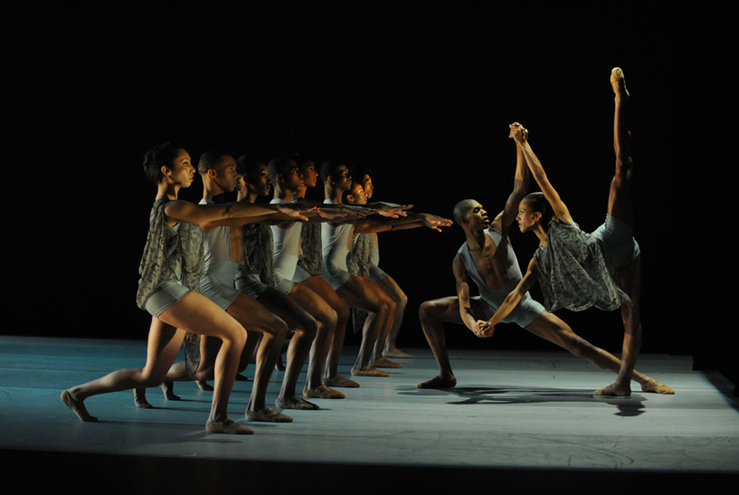 TOM GOLD DANCE - театър - GoGuide.bg